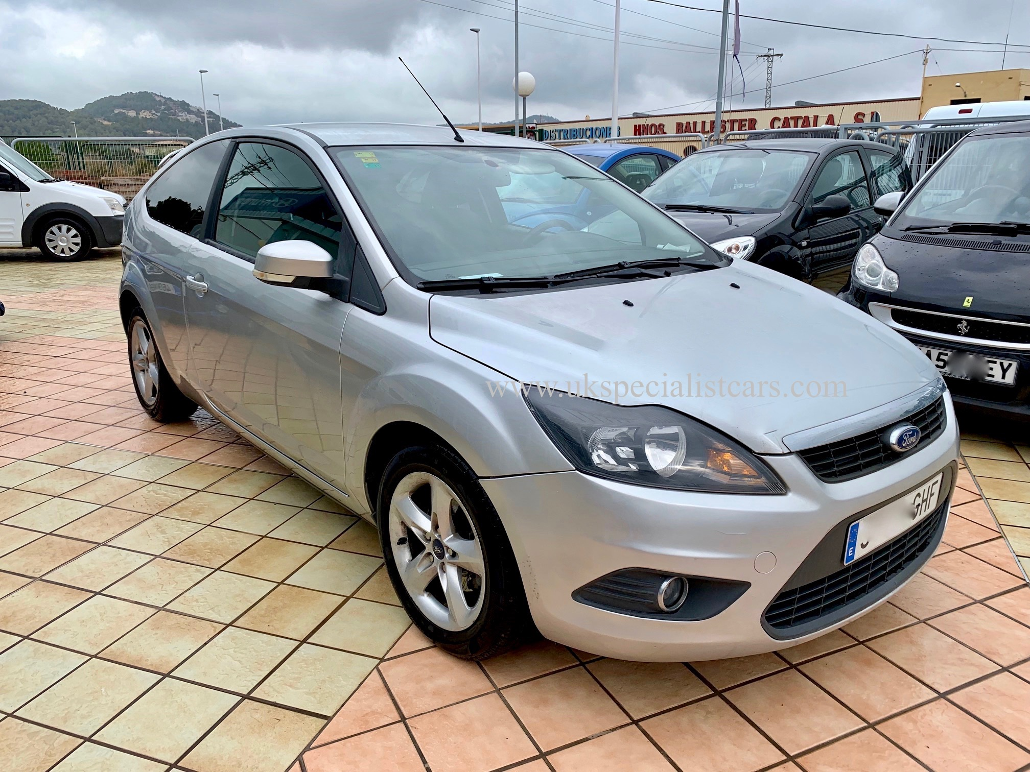 lhd ford focus 1 6 titanium automatic lhd in spain. Black Bedroom Furniture Sets. Home Design Ideas