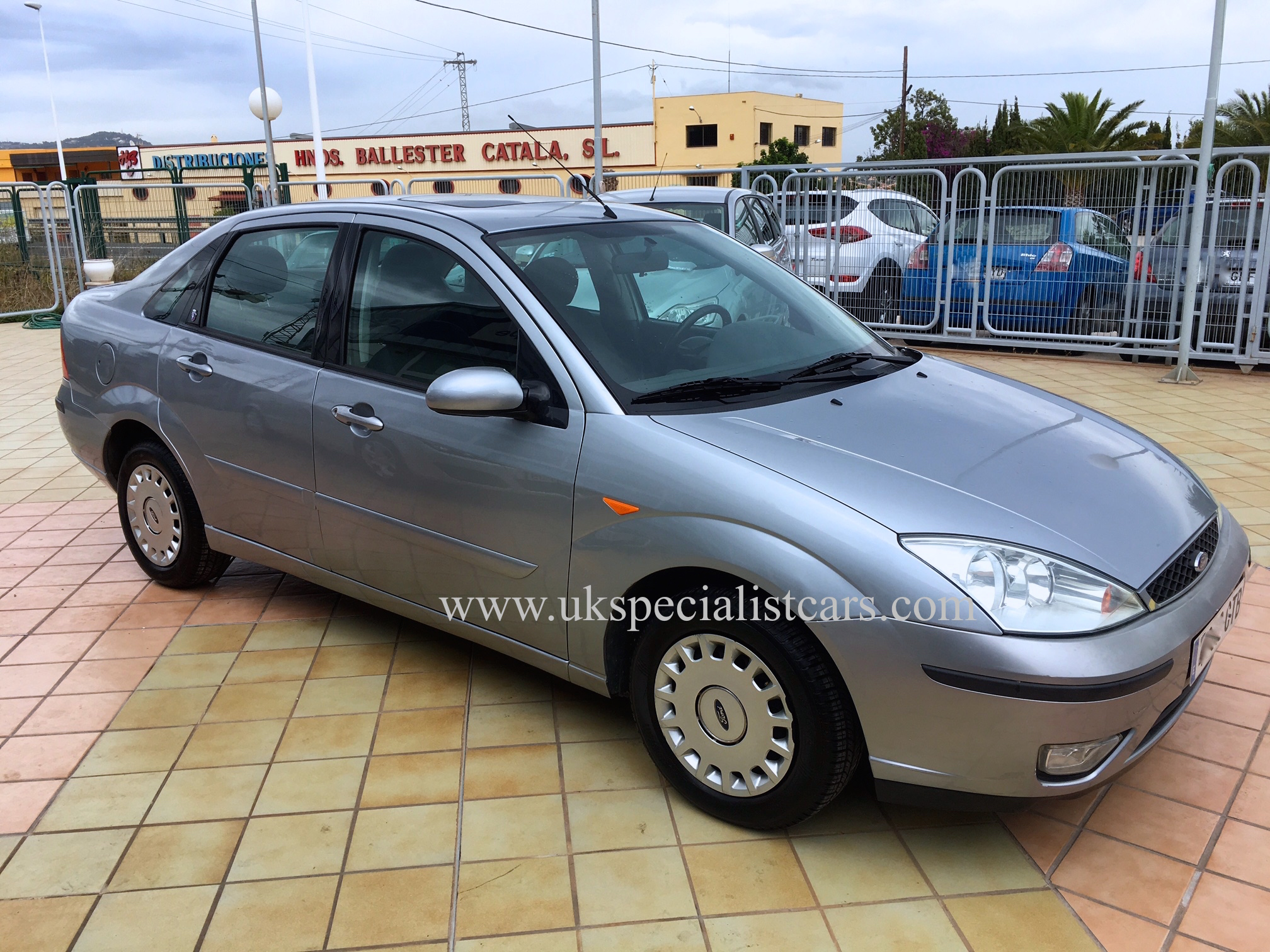 Ford Focus 1 6 Ghia Saloon Automatic Lhd In Spain